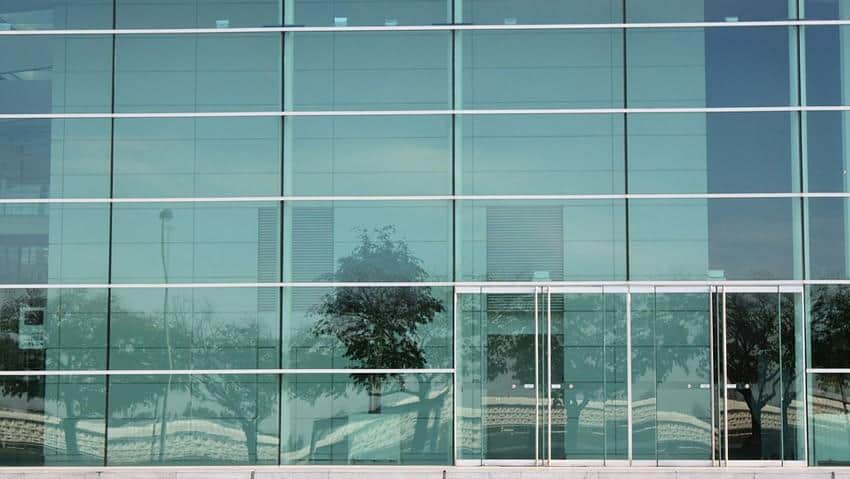 reparatur der glasfassade durch glaserei glasart in hannover fassadenscheiben reparieren mit. Black Bedroom Furniture Sets. Home Design Ideas